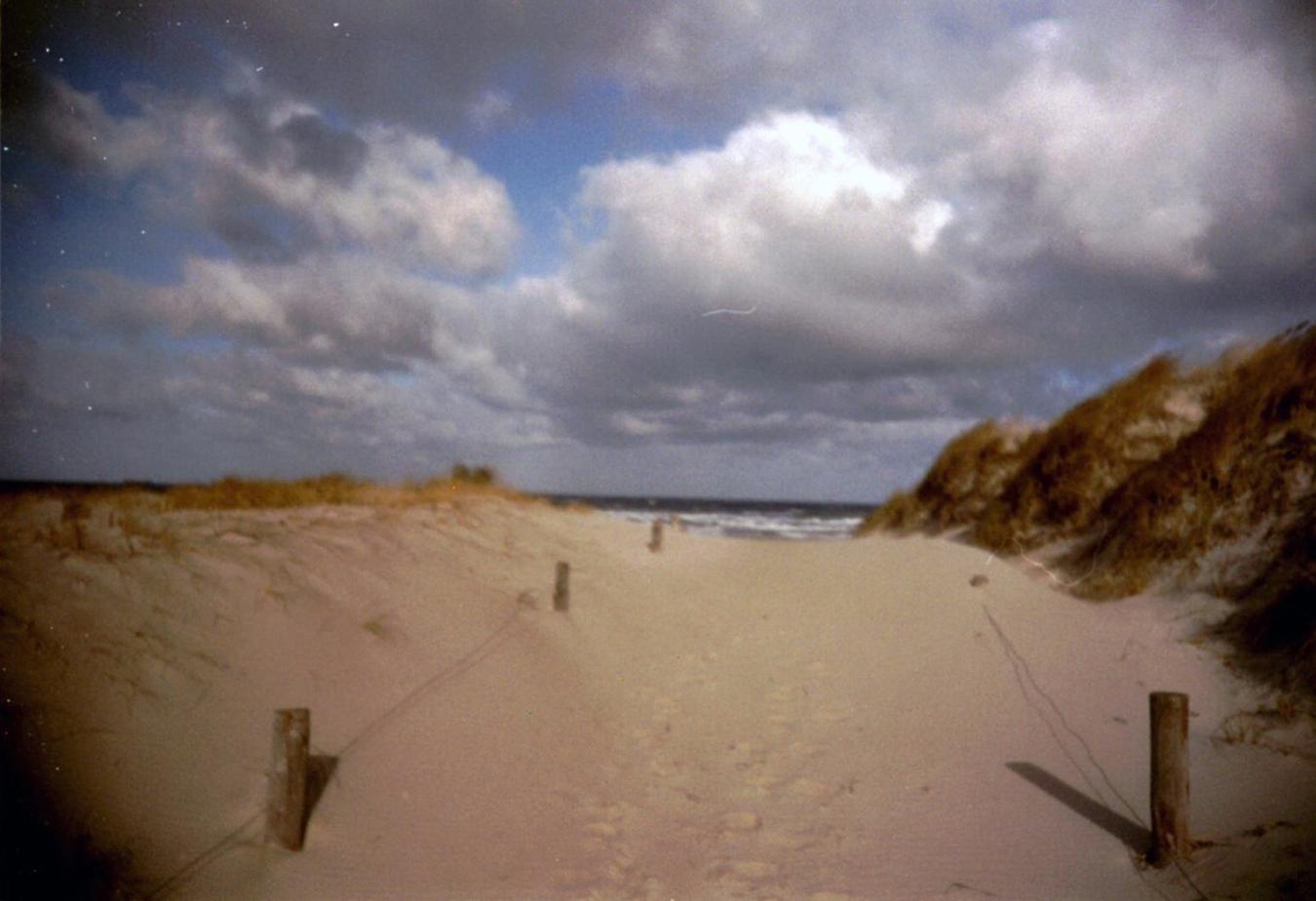Lomografie – Strandaufgang in Warnemünde