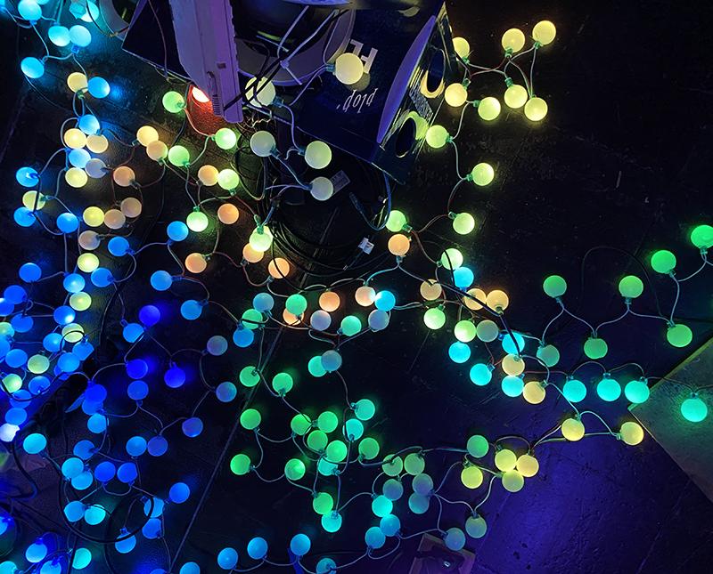 Leuchtetischtennis